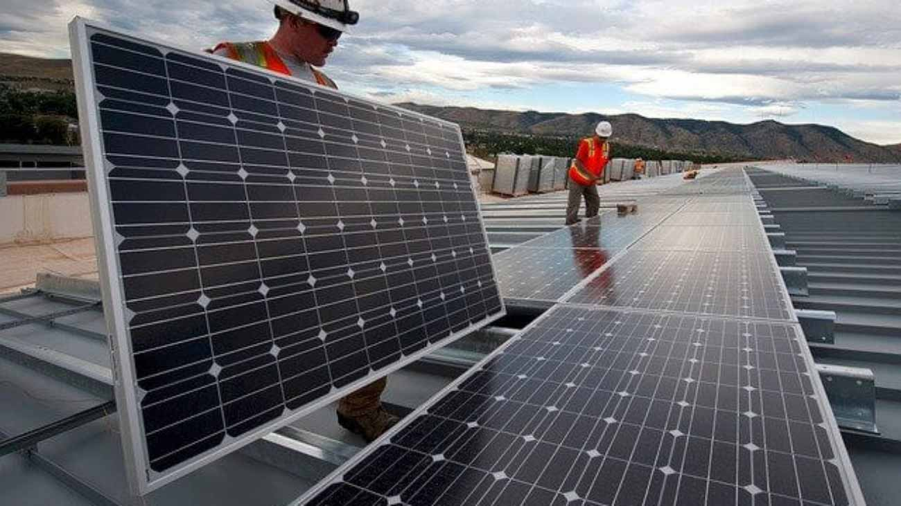 solar-panels-for-commercial-roofs-Colorado-Columbine-Roofing
