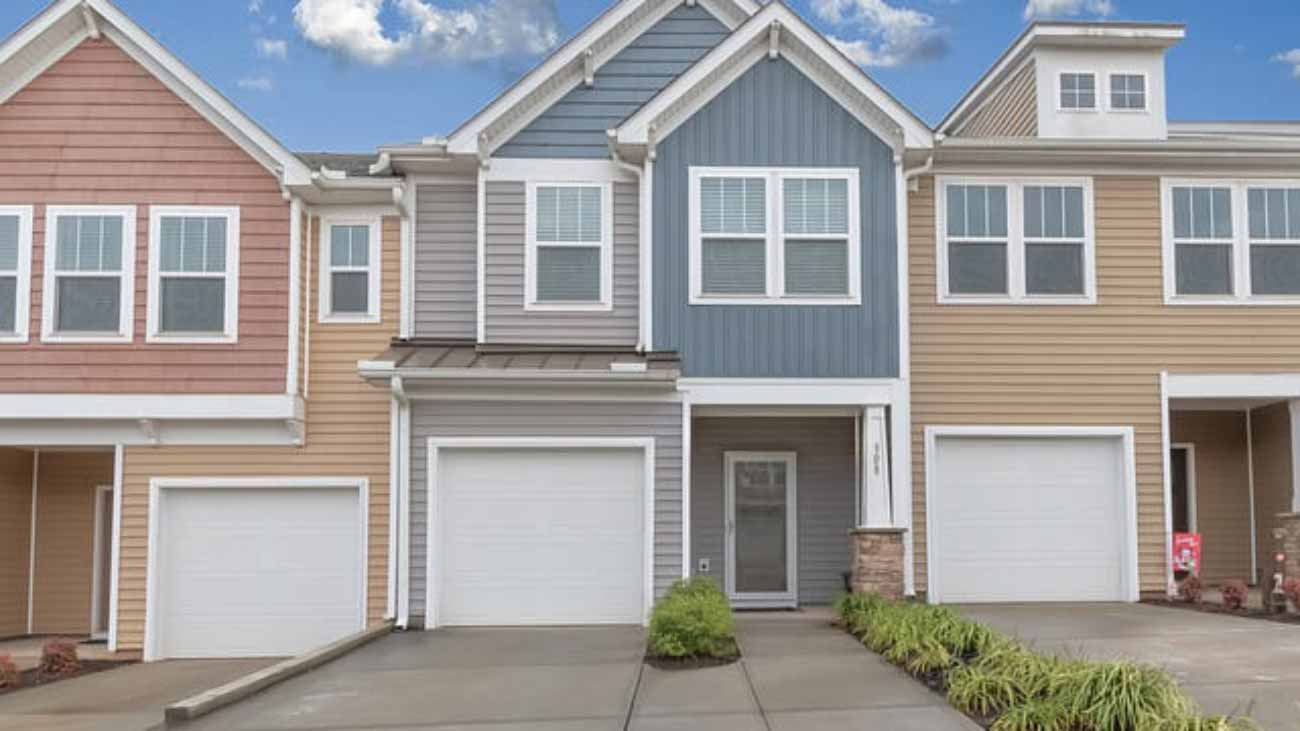 townhome-4766365_640