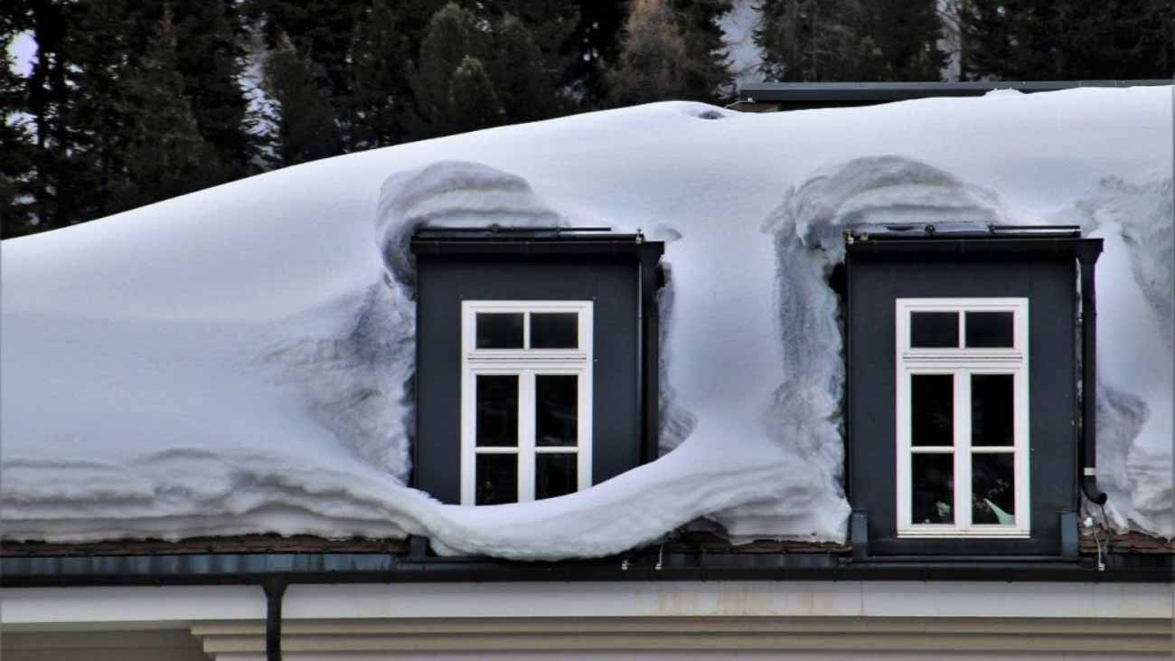 Colorado-homeowners-roof-in-winter-5-tips-1024x682